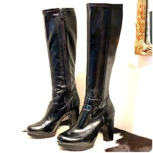 KENNETH COLE Knee High Platform Black Boots